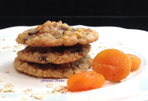 Apricot Chocolat Oatmeal Cookies